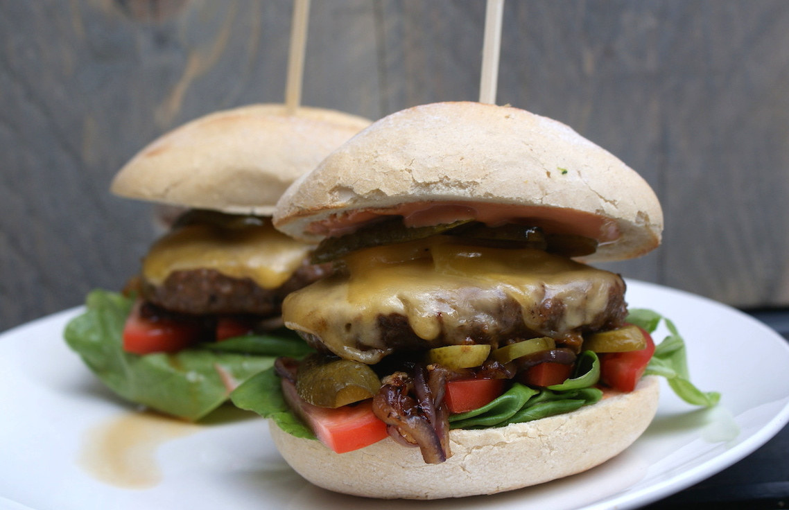 Cheeseburger EEFSFOOD